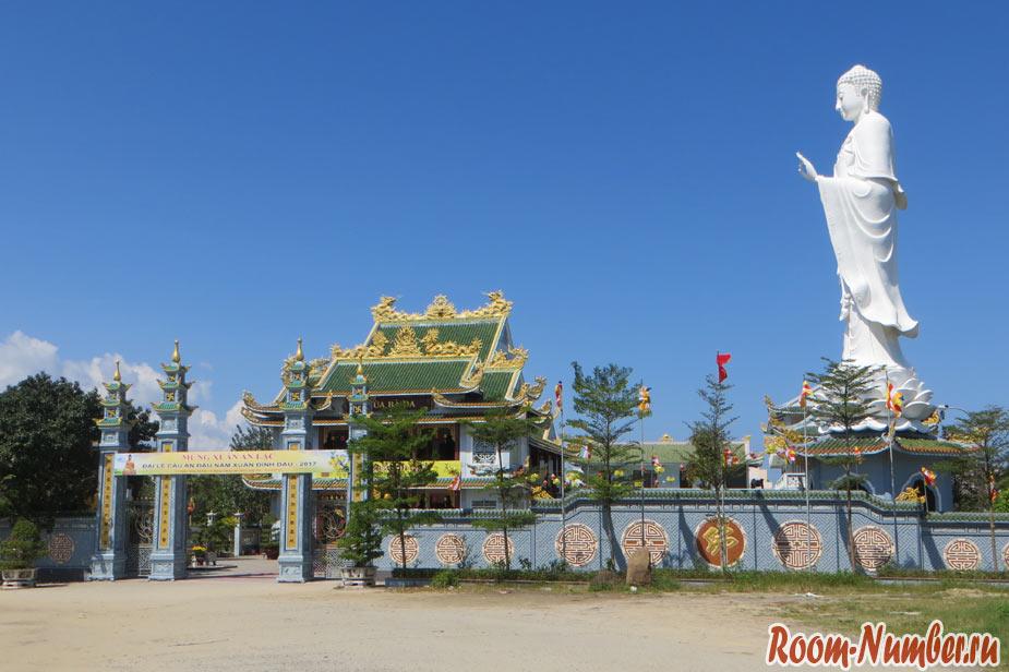 Храм Ba Da в Дананге