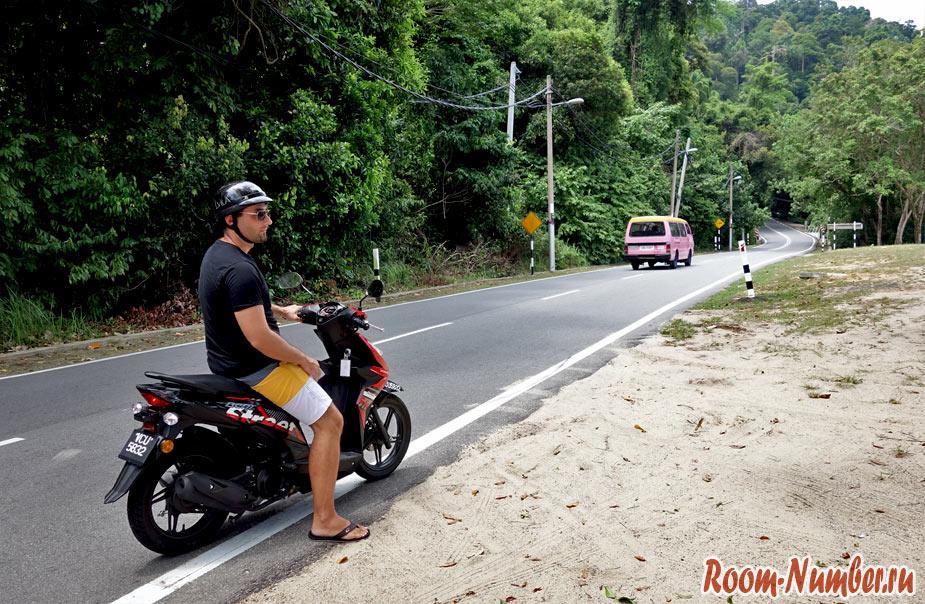 Взяли мотобайк в аренду на Пангкоре
