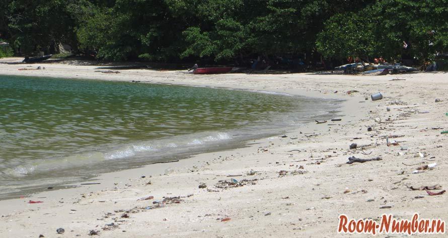 пангкор мусор на пляже