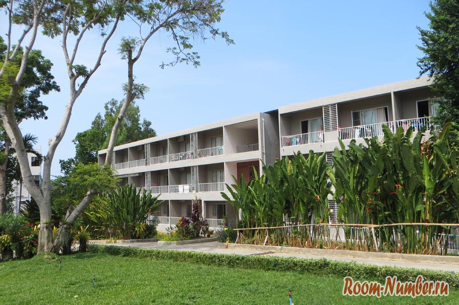 Недорогой, но новый и чистый отель на Ко Самете — Romruen Samed Resort