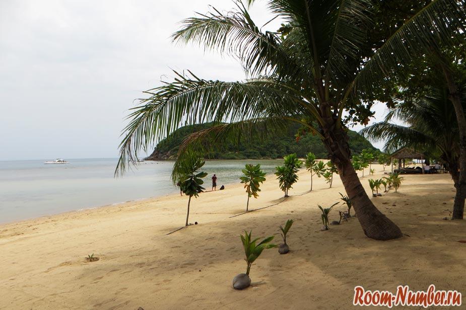 Пляж Мае Хаад, Панган. Пляж с песчаной косой (и стройкой)