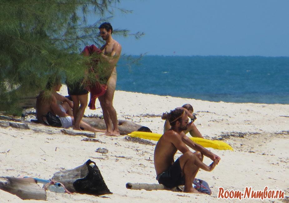 naked-beach-phangan-2