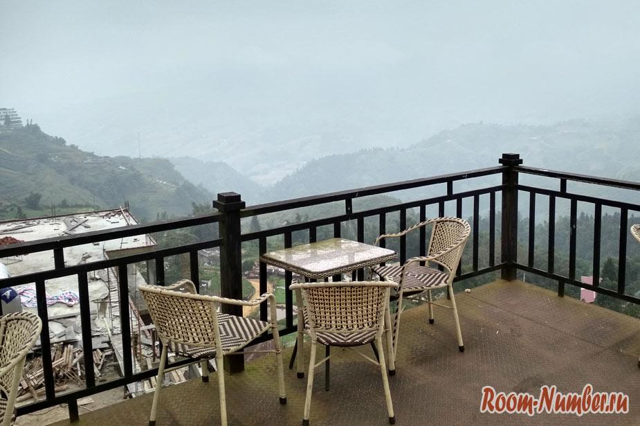 Phuong Nam Hotel. Наш отель в Сапе с панорамной верандой с видом на горы
