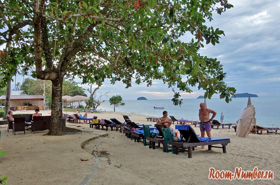 plazh-otelia-chang-resort-7