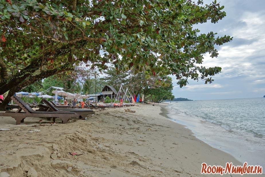 plazh-otelia-chang-resort-91