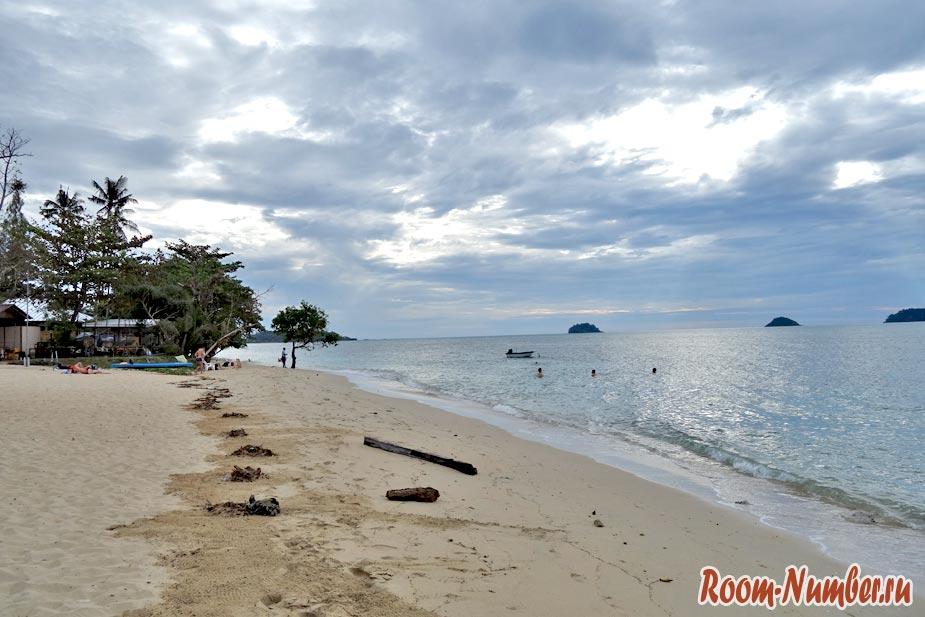plazh-otelia-chang-resort-92