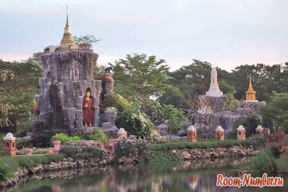 Mueang-Boran-12