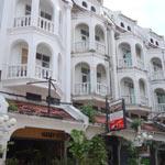 hugger-hostel-v-phuket-tayne-1
