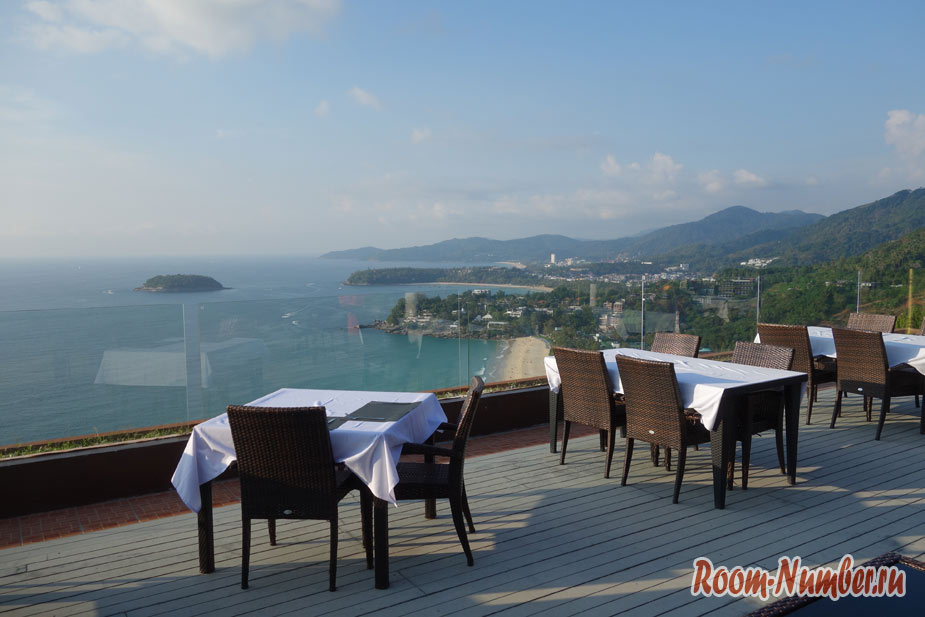 Ресторан Heaven на Пхукете с панорамным видом на море и вкусными блюдами