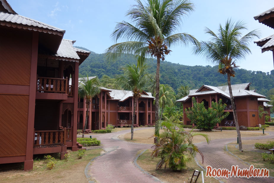 Berjaya Tioman Resort. Самый известный отель на Тиомане и его пляж