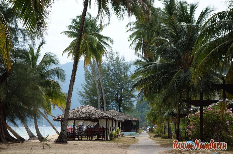 otel-i-plazh-berdjaya-na-tiomane-38