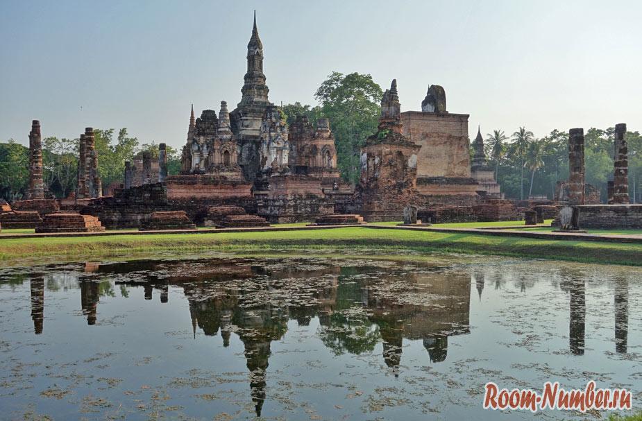 Древний город Сукхотай в Таиланде. Вы должны здесь побывать!