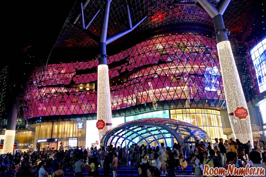 Улица Орчард Роуд и новогодний Сингапур