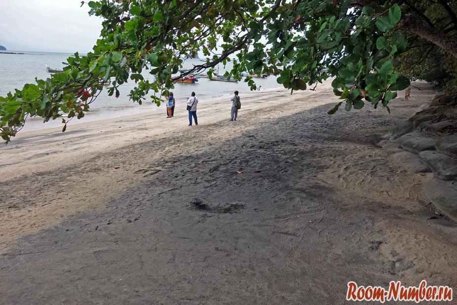 Пляж с черным песком на Лангкави. Стоит ли ехать на Black Sand Beach