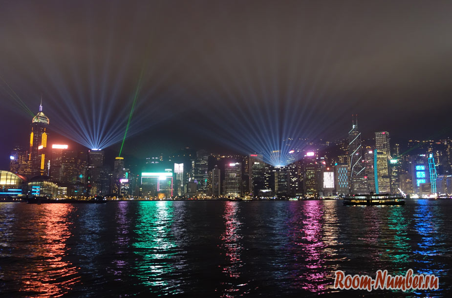 Лазерное шоу в Гонконге, попавшее в книгу рекордов Гиннесса