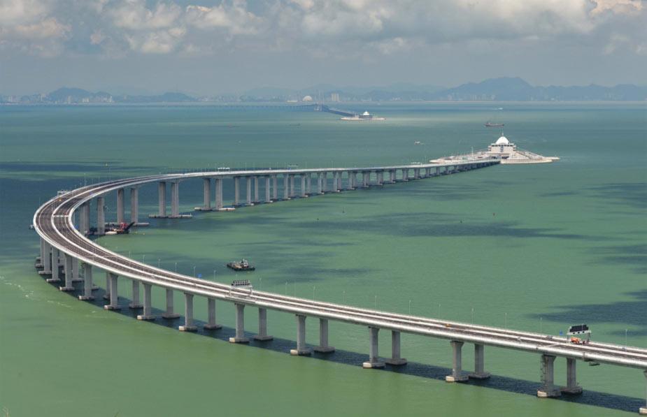 Из Гонконга в Макао на автобусе. Самый длинный морской мост в мире