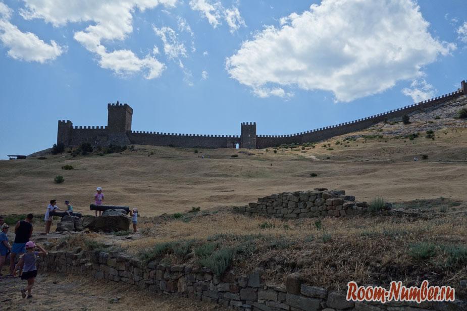 Генуэзская крепость в Судаке. Как добраться и цены на билеты на главную достопримечательность