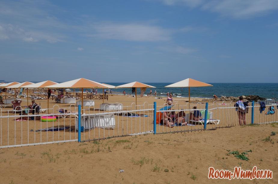 plazh-zolotoi-pesok-2