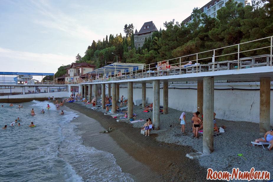 двухэтажные пляжи в алуште