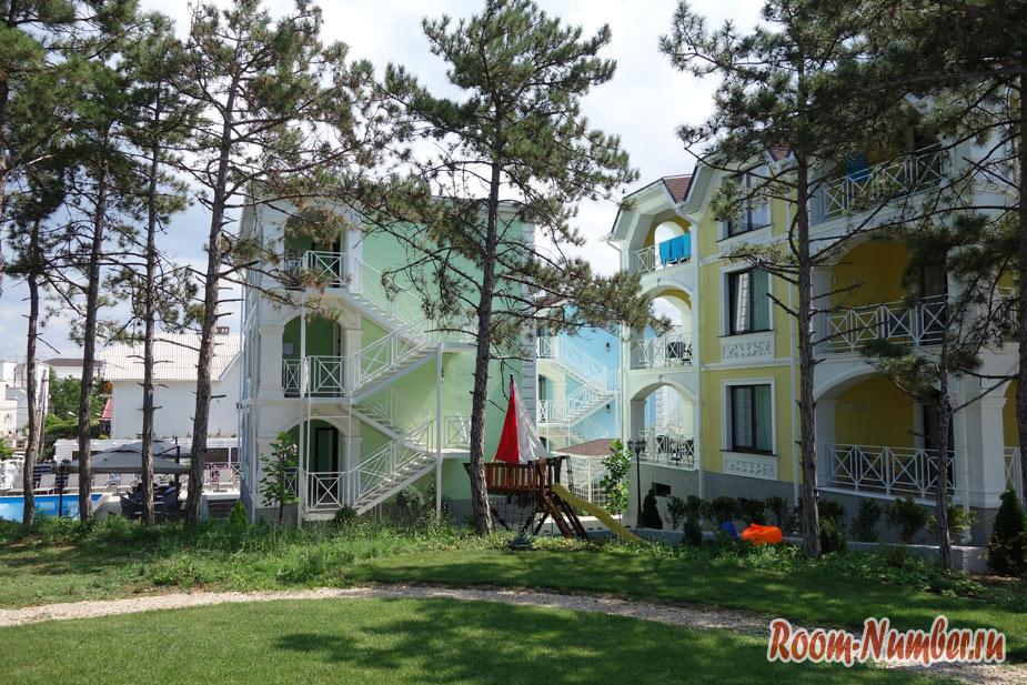 Наш отель Розмарин в Учкуевке. Самое красивое место в деревне