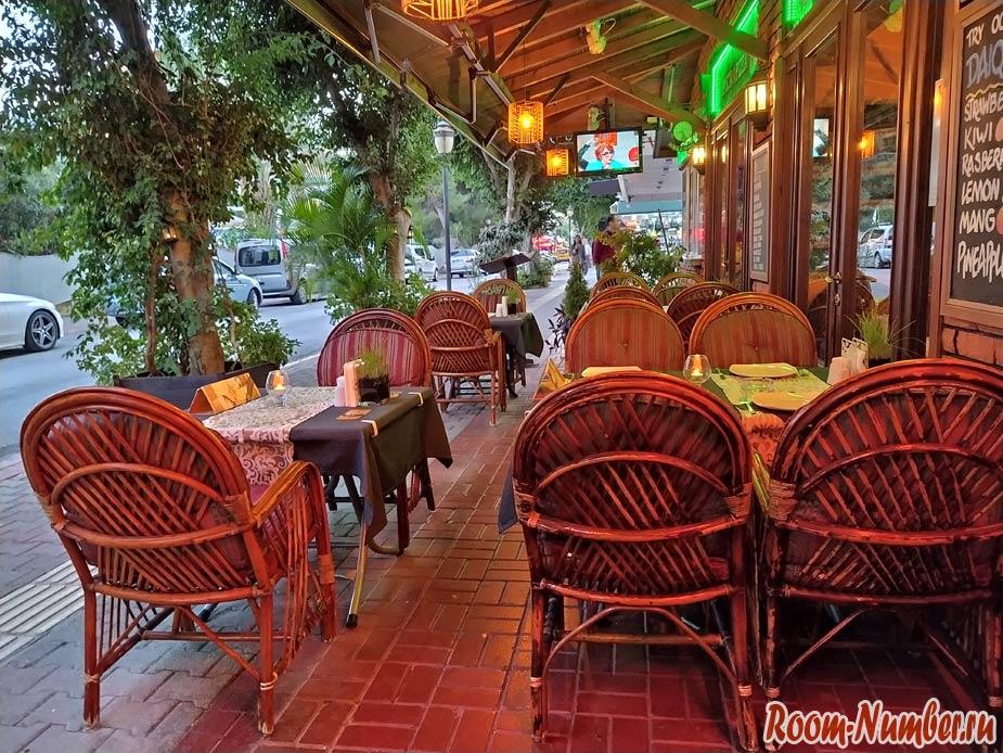 Где поесть в Алании. Проверенные кафе на пляже Клеопатры, фото еды и меню