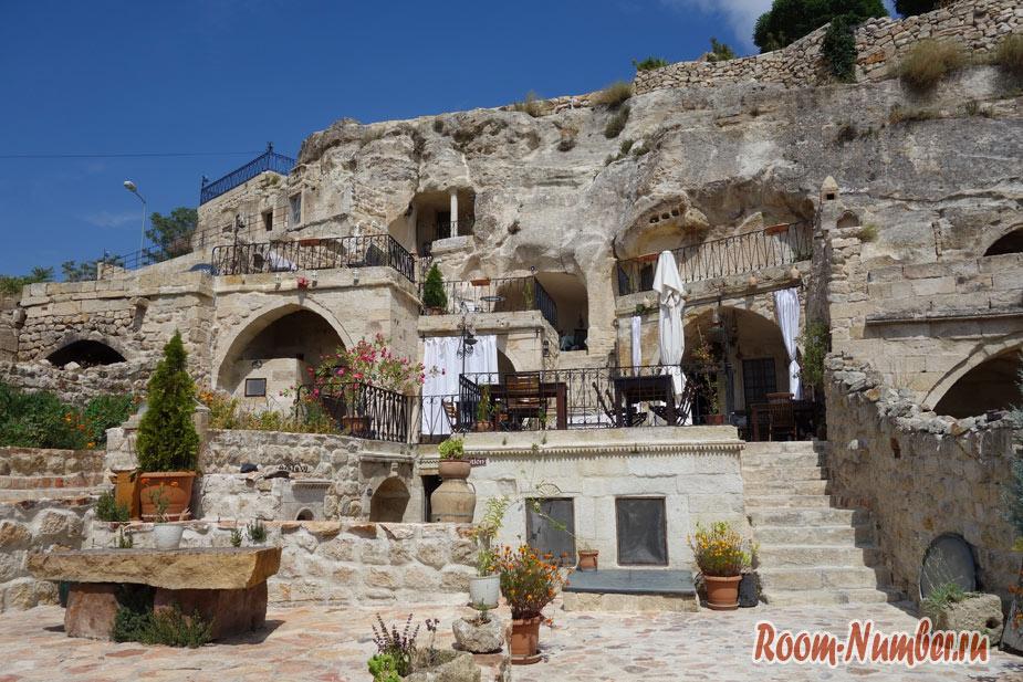 Наш отель в пещере The Cappadocia Hotel
