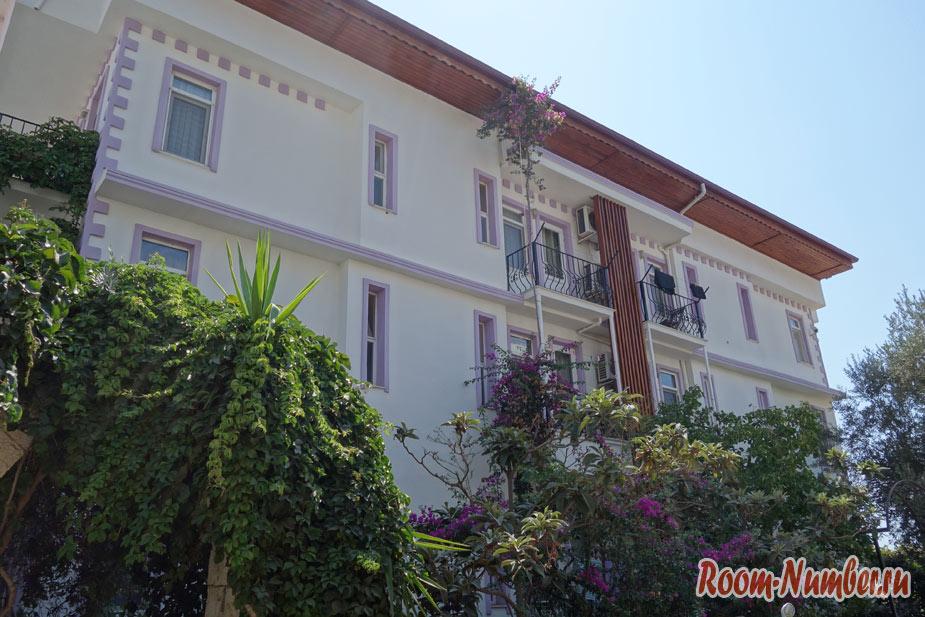 Наш отель в центре Каша с бассейном и парковкой – Hideaway Hotel