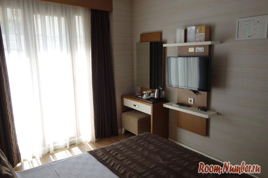 Hotel-Black-Tulip-v-stambyle-2