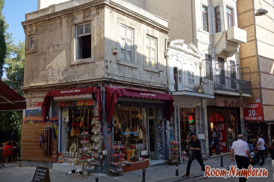 Istiklal-Street-10