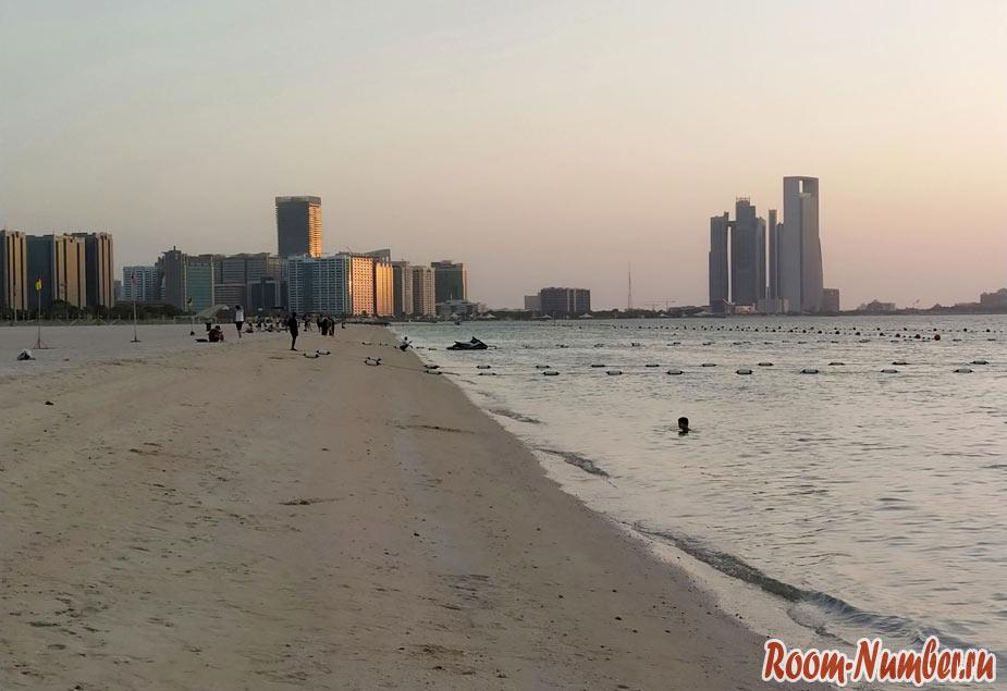 Вечер на пляже abu dhabi