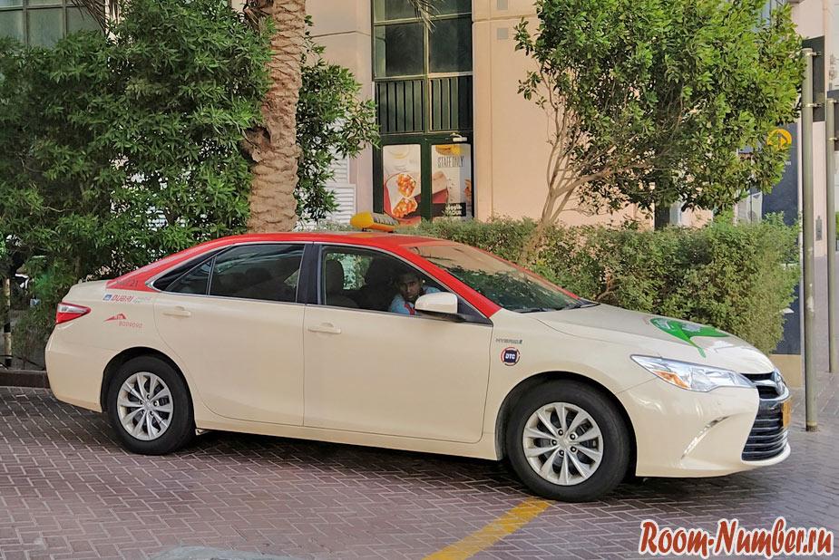 Такси в Дубае: как заказать и не попасть на развод