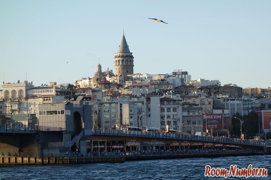 Галатский мост в Стамбуле: встретить закат и посмотреть на чаек
