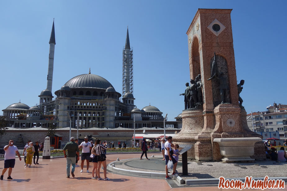 Где погулять в Стамбуле. Площадь Таксим, улица Истикляль и Галатская башня