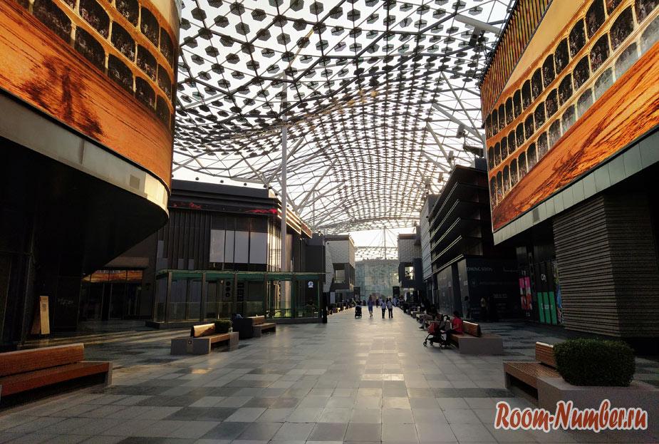 Сити Волк в Дубае (City Walk). Прогулочная улица с магазинами и ресторанами