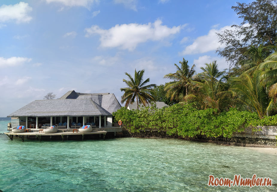 ostrov-centara-na-maldivah-1