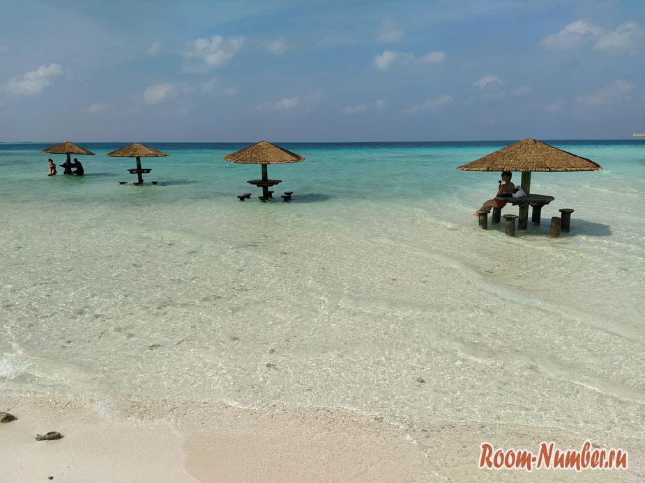ostrov-centara-na-maldivah-10