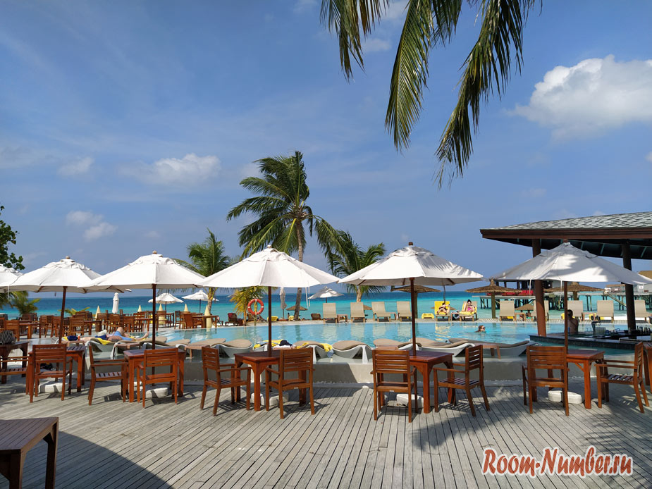 ostrov-centara-na-maldivah-12