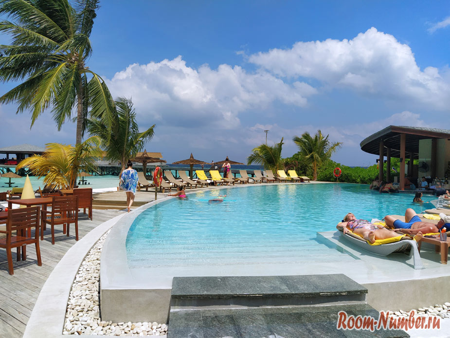 ostrov-centara-na-maldivah-19