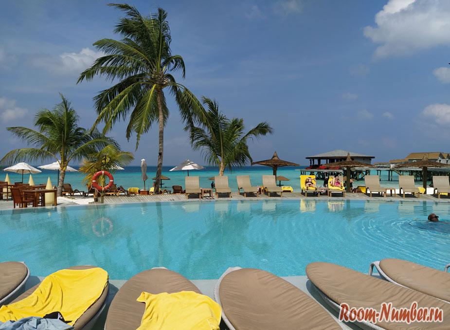 ostrov-centara-na-maldivah-20