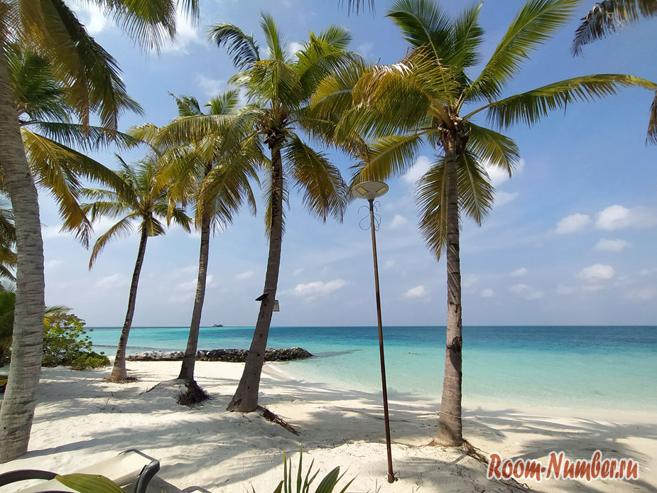 ostrov-centara-na-maldivah-6