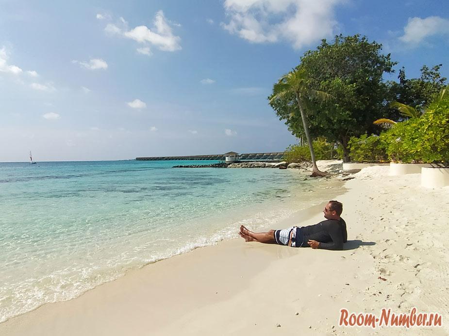 ostrov-centara-na-maldivah-38