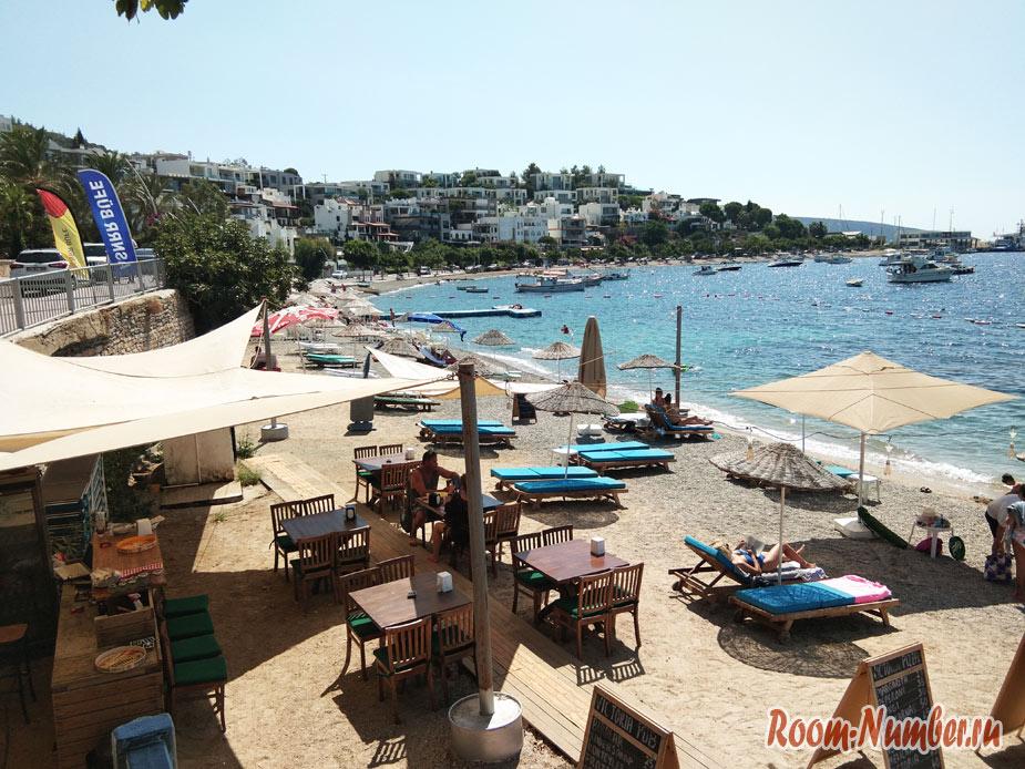 Кумбахче – один из лучших городских пляжей Бодрума