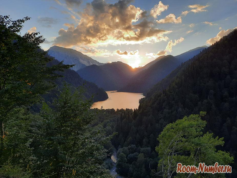 Экскурсия на озеро Рица из Гагры. Полное описание, много фото, личный опыт и совет