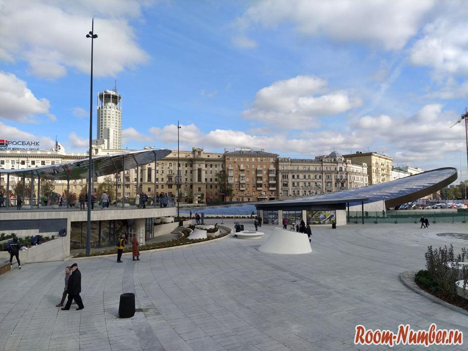 Павелецкая площадь в Москве. Первые фото нового парка перед вокзалом